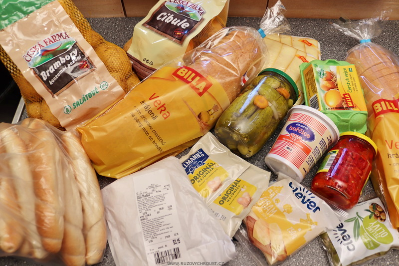 Chlebíčky a jednohubky s bramborovou pomazánkou