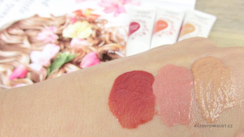 Weleda – tónující balzámy na rty (Nude, Rose, Berry Red)